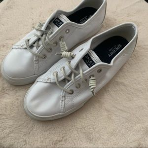 Sperrys lace up shoes size 7.5